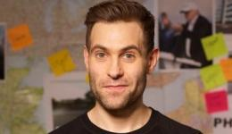 SIMON BRODKIN at Monkey Business
